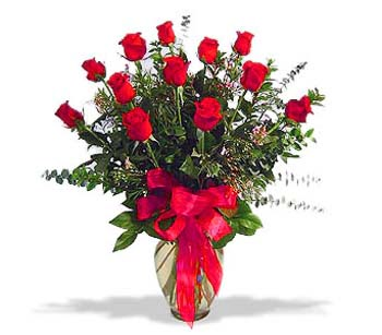 çiçek siparisi 11 adet kirmizi gül cam vazo  Bursa ya çiçek yolla mudanya cicek , cicekci