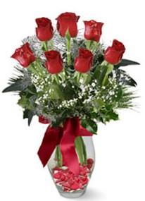 Bursa inegöl kaliteli taze ve ucuz çiçekler  7 adet kirmizi gül cam vazo yada mika vazoda