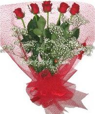 5 adet kirmizi gülden buket tanzimi  Bursa çiçek yolla nilüfer çiçek gönderme