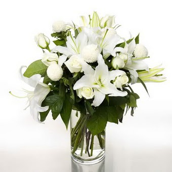 çiçek siparişi Bursa karacabey çiçek yolla  1 dal cazablanca 7 adet beyaz gül vazosu
