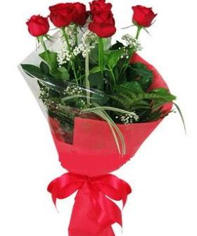5 adet kırmızı gülden buket  çiçek siparişi Bursa nilüfer anneler günü çiçek yolla