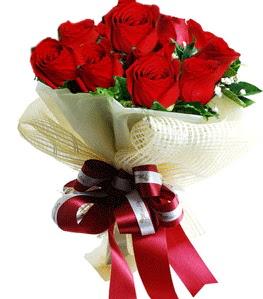 9 adet kırmızı gülden buket tanzimi  çiçek siparişi Bursa karacabey çiçek yolla