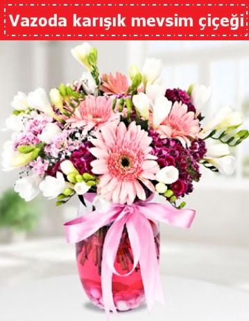 Vazoda karışık mevsim çiçeği  Bursada çiçekçi osmangazi çiçek , çiçekçi , çiçekçilik