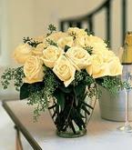 Bursa çiçek gönder nilüfer çiçek siparişi vermek  11 adet sari gül mika yada cam vazo tanzim