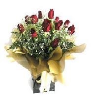 Bursa inegöl kaliteli taze ve ucuz çiçekler  11 adet kirmizi gül  buketi