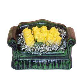 Seramik koltuk 12 sari gül   online Bursa ucuz çiçek gönder