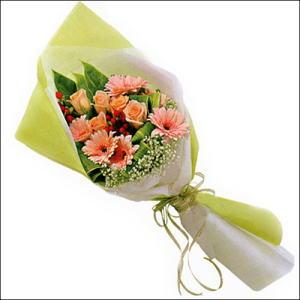 sade güllü buket demeti  Bursa orhangazi internetten çiçek siparişi