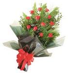 12 adet kirmizi gül buketi   Bursa orhangazi internetten çiçek siparişi