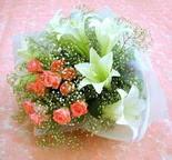 Bursa çiçek yolla nilüfer çiçek gönderme  lilyum ve 7 adet gül buket