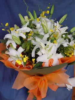 Bursa osmangazi internetten çiçek satışı  5 ADET KAZABLANKA BUKETI KALITEDEN SASMAYANLARA