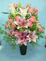 Bursa osmangazi internetten çiçek satışı  cam vazo içerisinde 21 gül 1 kazablanka