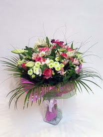çiçekçi Bursa nilüfer hediye çiçek yolla  karisik mevsim buketi mevsime göre hazirlanir.