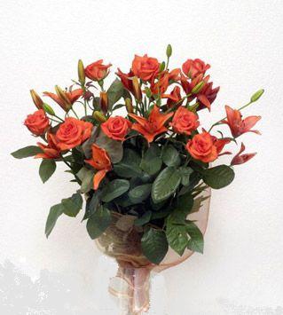 9 adet gül ve 3 adet lilyum çiçegi buketi   çiçekçiler Bursa online çiçek gönderme sipariş