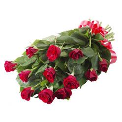 11 adet kirmizi gül buketi  cicekciler Bursa gemlik güvenli kaliteli hızlı çiçek
