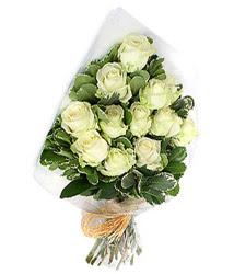 Bursa çiçek satışı kestel uluslararası çiçek gönderme  12 li beyaz gül buketi.