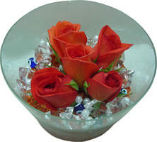 Bursa çiçek siparişi karacabey 14 şubat sevgililer günü çiçek  5 adet gül ve cam tanzimde çiçekler