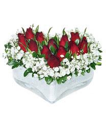 Bursa inegöl kaliteli taze ve ucuz çiçekler  mika kalp içerisinde 9 adet kirmizi gül