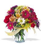 Bursada çiçekçi osmangazi çiçek , çiçekçi , çiçekçilik  cam yada mika vazo içerisinde karisik kir çiçekleri