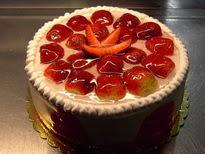 Meyvali yas pasta 4 ile 6 kisilik pasta  Bursa çiçek gönder nilüfer çiçek siparişi vermek