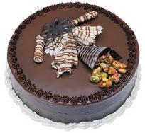 Çikolatali yas pasta 4 ile 6 kisilik  leziz  cicekci Bursa inegöl çiçek mağazası , çiçekçi adresleri