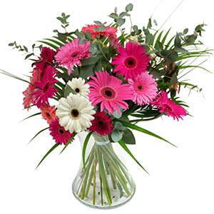 15 adet gerbera ve vazo çiçek tanzimi  Bursa ya çiçek yolla mudanya cicek , cicekci
