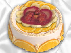 leziz pastane 4 ile 6 kisilik yas pasta meyvali yaspasta  çiçek siparişi Bursa nilüfer anneler günü çiçek yolla