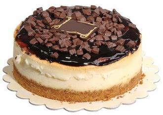 pasta yolla 4 ile 6 kisilik çikolatali yas pasta  Bursa ya çiçek yolla mudanya cicek , cicekci