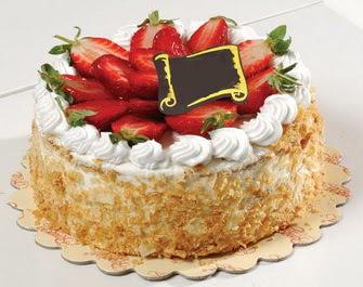 uygun pastaneler 4 ile 6 kisilik çilekli yas pasta lezzetli  çiçek Bursa yenişehir çiçekçi mağazası