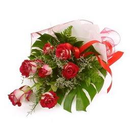 Çiçek gönder 9 adet kirmizi gül buketi  çiçek Bursa yenişehir çiçekçi mağazası