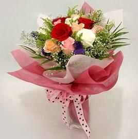 Karisik renklerde 11 adet gül buketi  Bursa çiçek nilüfer İnternetten çiçek siparişi