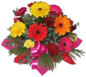 Karisik mevsim çiçeklerinden buket  Bursa büyük orhan yurtiçi ve yurtdışı çiçek siparişi