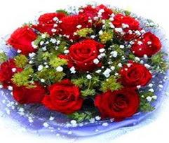 9 adet kirmizi güllerden buket  Bursa çiçekçi osman gazi çiçek gönderme sitemiz güvenlidir