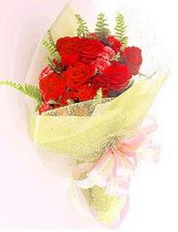 9 adet kirmizi gül buketi  çiçekçiler Bursa online çiçek gönderme sipariş