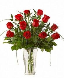 cam yada mika vazo içerisinde 9 kirmizi gül  Bursa çiçek gönder nilüfer çiçek siparişi vermek