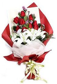 çiçekçi Bursa nilüfer hediye çiçek yolla  9 adet gül 2 adet kazablanka buketi