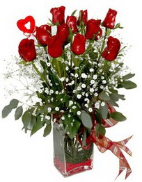 çiçek Bursa yenişehir çiçekçi mağazası  9 adet mika yada cam vazoda gül tanzimi kalp çubuk