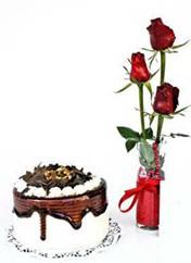 çiçek Bursa yenişehir çiçekçi mağazası  vazoda 3 adet kirmizi gül ve yaspasta