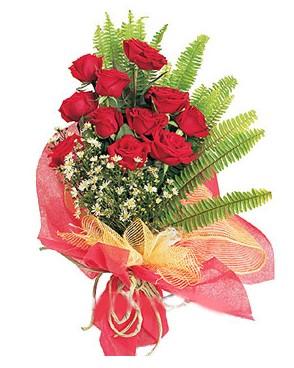 Bursadaki çiçekçiler karacabey çiçekçi telefonları  11 adet kırmızı güllerden buket modeli