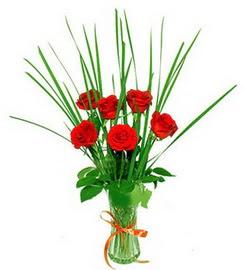 Bursada çiçekçi osmangazi çiçek , çiçekçi , çiçekçilik  6 adet kırmızı güllerden vazo çiçeği