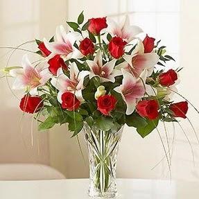 cicekci Bursa inegöl çiçek mağazası , çiçekçi adresleri  12 adet kırmızı gül 1 dal kazablanka çiçeği