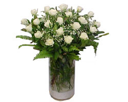 cicekciler Bursa gemlik güvenli kaliteli hızlı çiçek  cam yada mika Vazoda 12 adet beyaz gül - sevenler için ideal seçim