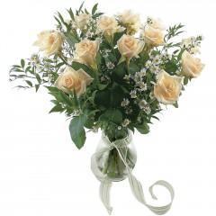 Vazoda 8 adet beyaz gül  Bursa çiçek siparişi karacabey 14 şubat sevgililer günü çiçek