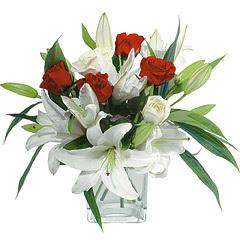 vazo içerisinde 4 gül 1 adet kazablanka  Bursa ya çiçek yolla mudanya cicek , cicekci