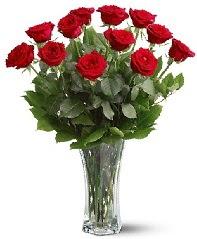 11 adet kırmızı gül vazoda  Bursa inegöl kaliteli taze ve ucuz çiçekler