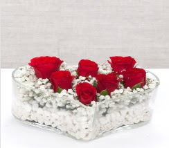 kalp içerisinde 7 adet kırmızı gül  çiçek Bursa yenişehir çiçekçi mağazası
