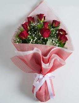 9 adet kırmızı gülden buket  Bursaya çiçek yolla orhangazi çiçek satışı