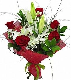 1 dal kazablanka 5 kırmızı gül buketi  çiçek siparişi Bursa nilüfer anneler günü çiçek yolla