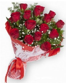 11 kırmızı gülden buket  Bursa iznik hediye sevgilime hediye çiçek