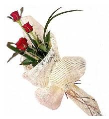 3 adet kırmızı gül buketi  Bursa iznik hediye sevgilime hediye çiçek