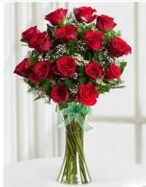 Cam vazo içerisinde 11 kırmızı gül vazosu  Bursa osmangazi online çiçekçi , çiçek siparişi